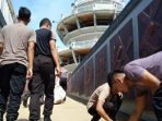 Lusiana Kaget Melihat Polisi Pungut Sampah di Burake Tana Toraja