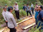 Polres Gowa-saat berada di hutan lindung Kec. Tombolopao