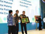 Wali kota Makassar terima penghargaan
