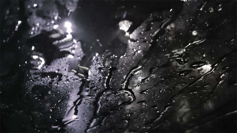 Di Suatu Hari yang Hujan-Ian Konjo