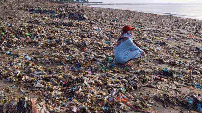 Karena Sampah, Ribuan Wisatawan Mancanegara Batal ke Lombok