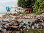 Dihuni Sampah, Pasir Putih Pantai Mandala Ria Terancam Jorok