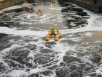 Air Sungai Batahan Berbau Menyengat Akibat Tercemar Limbah Kelapa Sawit?