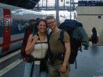 Demi Lingkungan, Dua Sejoli Ini Enggan Naik Pesawat Saat Bepergian