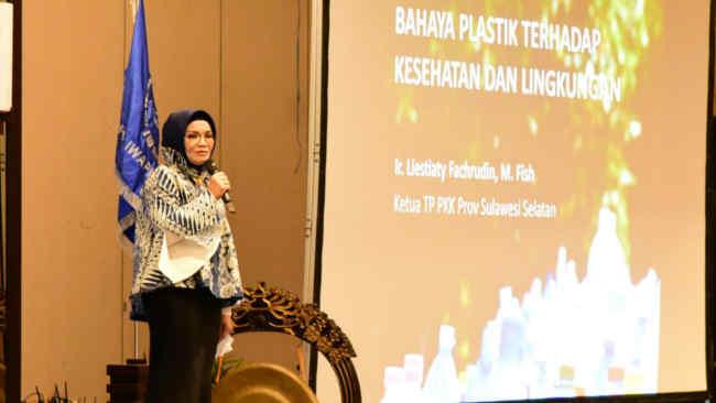 Liestiaty F Nurdin, Terus Bergerak Kampanyekan Bahaya Sampah Plastik