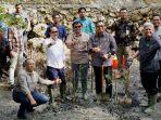 Keseruan IKA-PIMNAS Tanam Mangrove di Pantai Rangas Mamuju