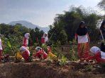 Pelajar di Bandung Pilih Aksi Lingkungan daripada Turun ke Jalan