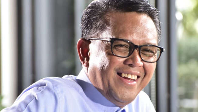 """Kemarin, Nurdin Abdullah dan Andi Misbawati """"sah"""" Jadi Tokoh Hutan Sosial"""