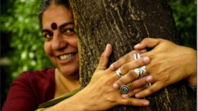 Memeluk Pohon, Cara India Mencintai Bumi