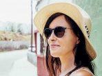 Sering Pakai Kacamata Hitam Saat Matahari Terik Berisiko bagi Kesehatan
