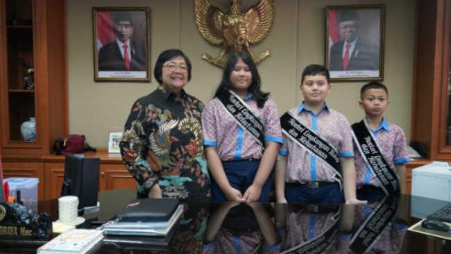 Ketika Siti Nurbaya Bertemu Menteri Cilik KLHK