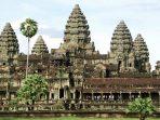 Upaya Selamatkan Kuil Angkor Wat di Kamboja dengan Sepeda