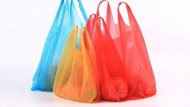 Nostalgia Kantong Plastik, Berburu Hingga ke Comberan