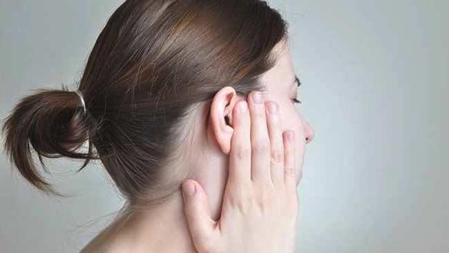 Telinga Sakit Saat Flu dan Pilek? Redakan dengan Cara Ini!