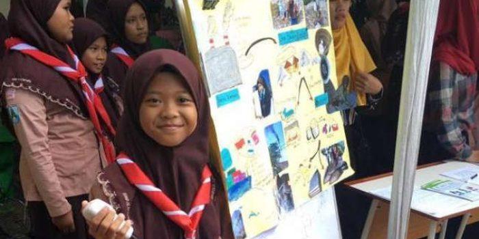 Mengenal Aeshnina Azzahra, Layangkan Surat Protes Tentang Sampah Plastik