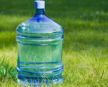Air Galon Sekali Pakai, Inovasi atau Invasi Sampah Plastik Gaya Baru?