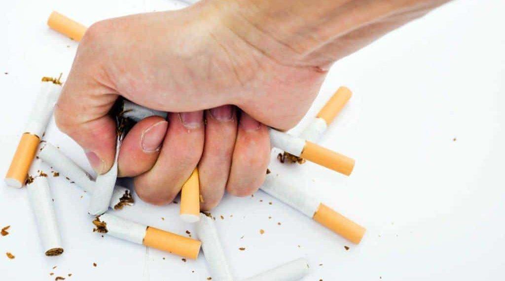 Menjadikan Pandemi Covid-19 Momentum untuk Berhenti Merokok