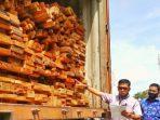 Polisi Sita Ribuan Keping Kayu Ilegal dari Kawasan SM Rimbang Baling
