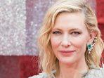 Meniru Gaya Cate Blanchett Menyuarakan Fesyen Berkelanjutan
