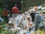 Sampah di Lokasi Bencana Sulbar Menumpuk, Komunitas Laut Biru Turun Tangan, Aksinya Inspiratif!