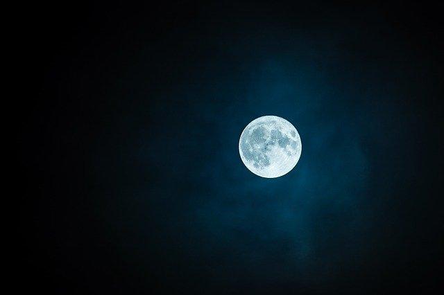 Malam Ini, Yuk Padamkan Lampu Sejenak demi Bumi Kita!