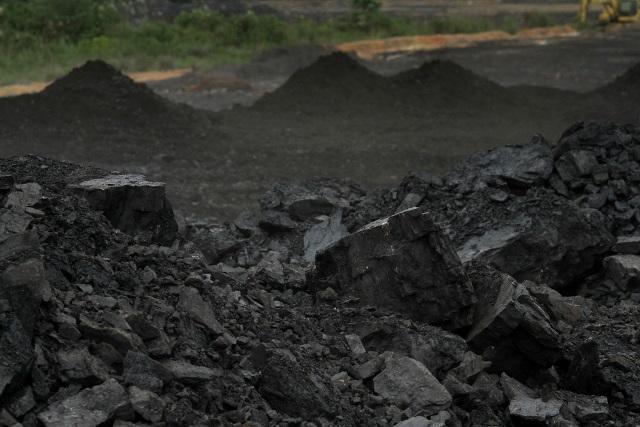 Polemik Penghapusan Limbah Batubara dari Kategori Limbah Bahan Berbahaya dan Beracun (B3)