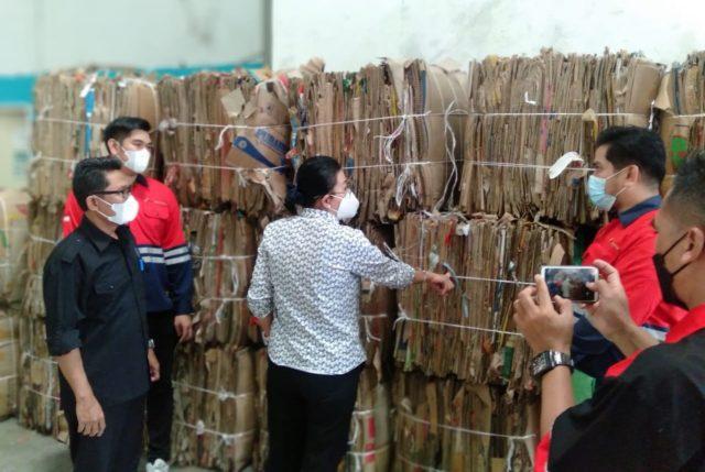 Memperkuat Bank Sampah demi Memenuhi Kebutuhan Bahan Baku Industri Domestik