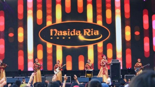 Mendengar Suara Lingkungan dari Grup Kasidah Legendaris, Nasida Ria