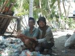 Kisah Baco, Paruh Baya Pejuang Sampah di Pesisis Pantama Kajang