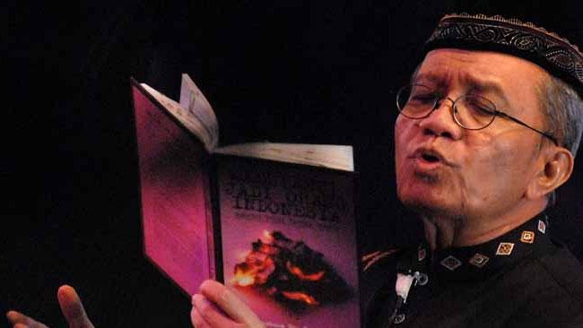 Meresapi 6 Puisi Taufiq Ismail yang Beraroma Alam